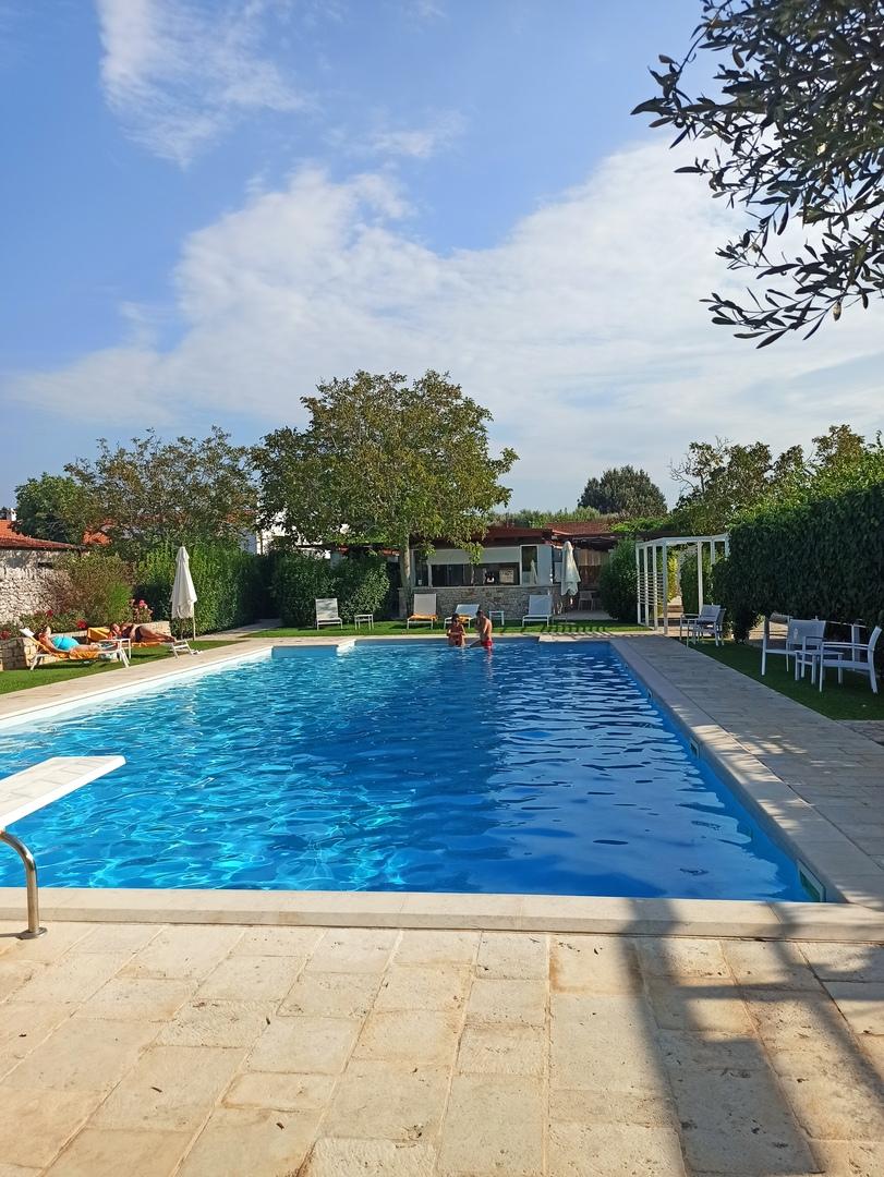 piscina abate masseria