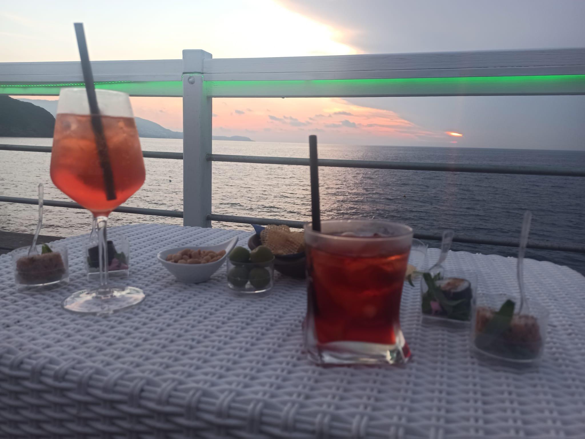 aperitivo con vista a Procida Chiaiolella